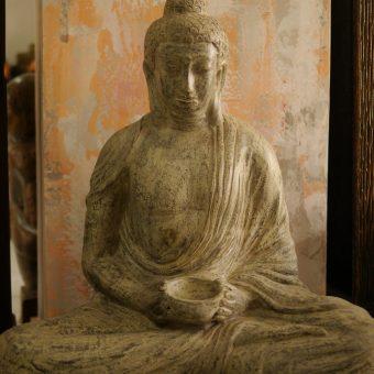 άγαλμα το οποίο απεικονίζει καθιστό Βούδα