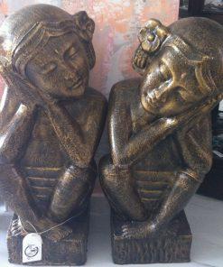 άγαλμα το οποίο απεικονίζει μπαλινέζες ζευγάρι