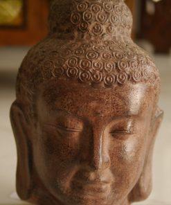άγαλμα το οποίο απεικονίζει το κεφάλι του Βούδα