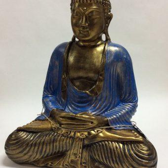 άγαλμα που απεικονίζει τον Βούδα καθιστό