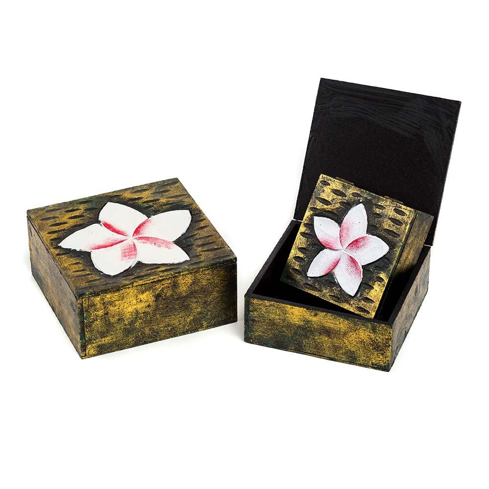 σετ από ξύλινα κουτιά με απεικόνιση λουλουδιού