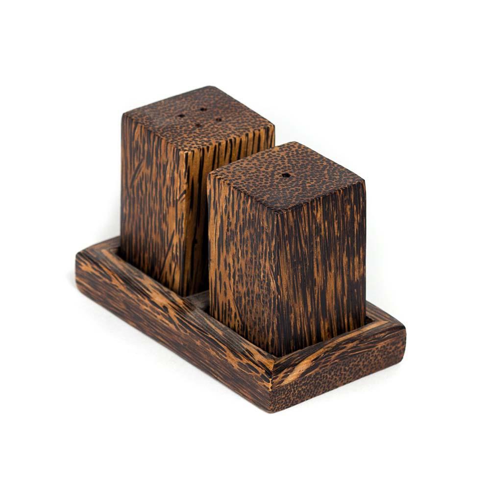 τετράγωνη ξύλινη αλατοπιπεριέρα