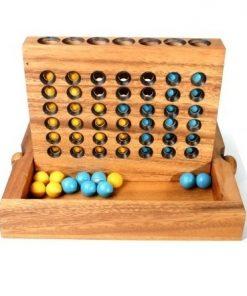 επιτραπέζιο παιχνίδι σκορ 4