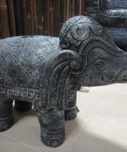 πέτρινο άγαλμα που απεικονίζει έναν ελέφαντα - βάση ομπρέλας