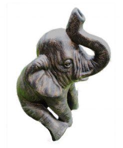 άγαλμα το οποίο απεικονίζει έναν ελέφαντα που κάθεται