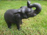 άγαλμα το οποίο απεικονίζει έναν ελέφαντα