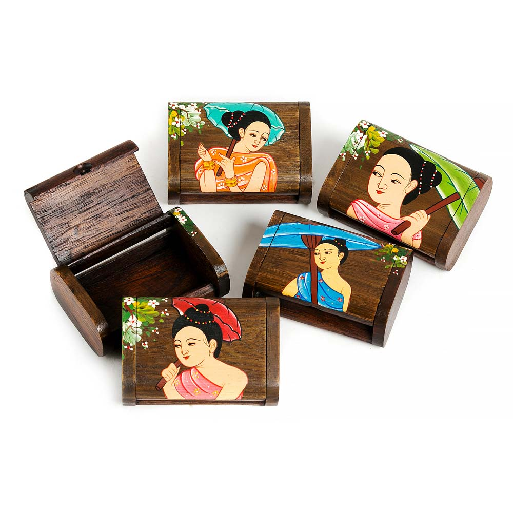ξύλινο κουτάκι αποθήκευσης με κοπέλα