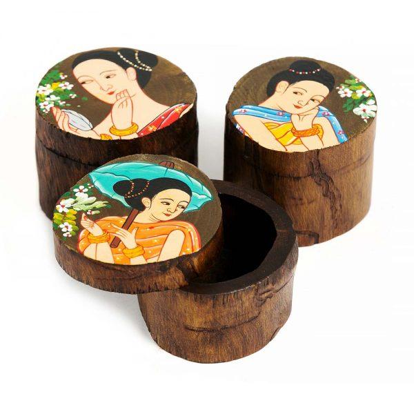 ξύλινο στρόγγυλο κουτάκι με ζωγραφισμένη κοπέλα