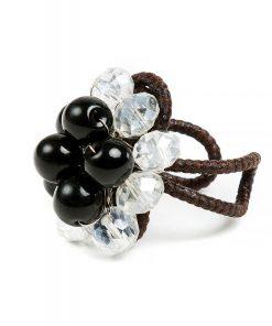 δαχτυλίδι με σχέδιο από μαύρο όνυχα και διάφανους κρυστάλλους