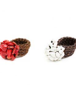 δαχτυλίδι μακραμέ με ημιπολύτιμους λίθους κόκκινο κοράλλι ή λευκό χαολίτη