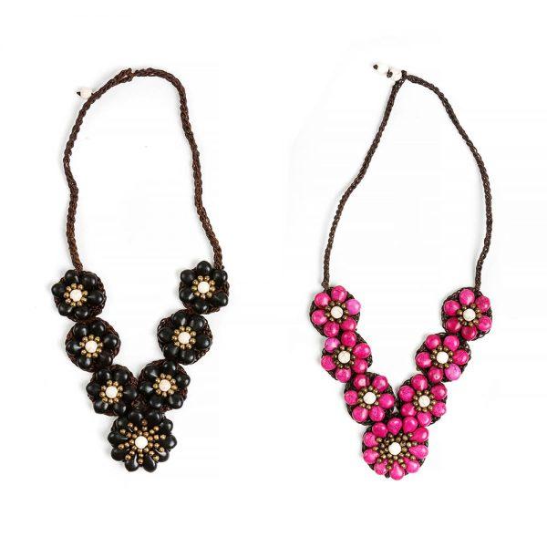 κολιέ με σχέδιο μαργαρίτα από ροζ χαολίτη η μαύρο όνυχα