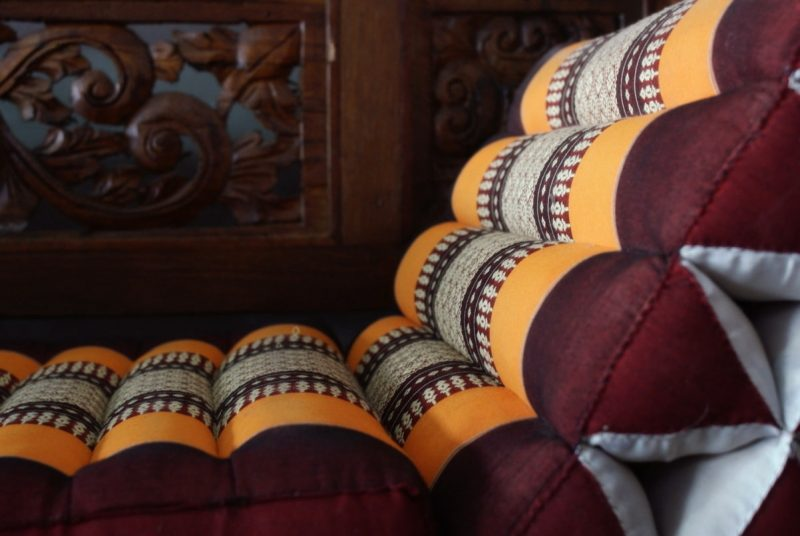 παραδοσιακά στρώματα και μαξιλάρια Ταϊλάνδης